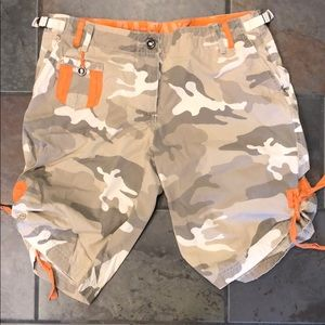 DA NANG Camo Shorts